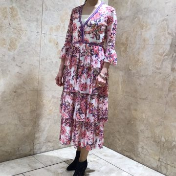 「STAR FLORAL PRINT ON STRETCH NETTING ワンピース」
